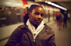 Safia-emilie-portrait-inconnu-rer-b-interview-paris-vivre-a-paris-photo