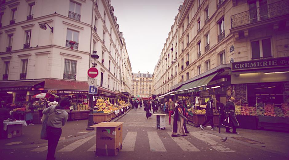 chateau-rouge-marche-rue