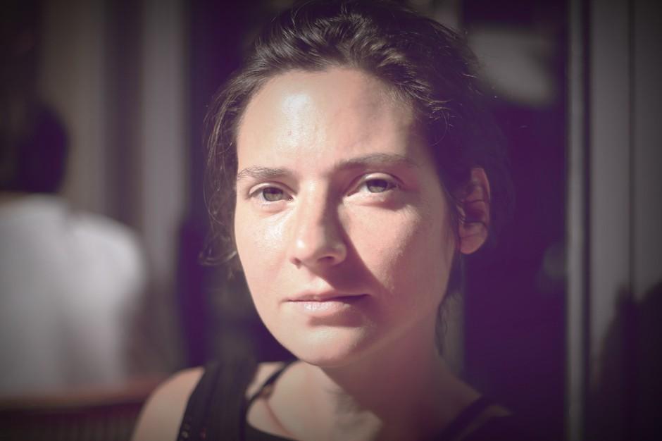 elena-portrait-inconnu-paris-montmartre-avocate-interview-photo